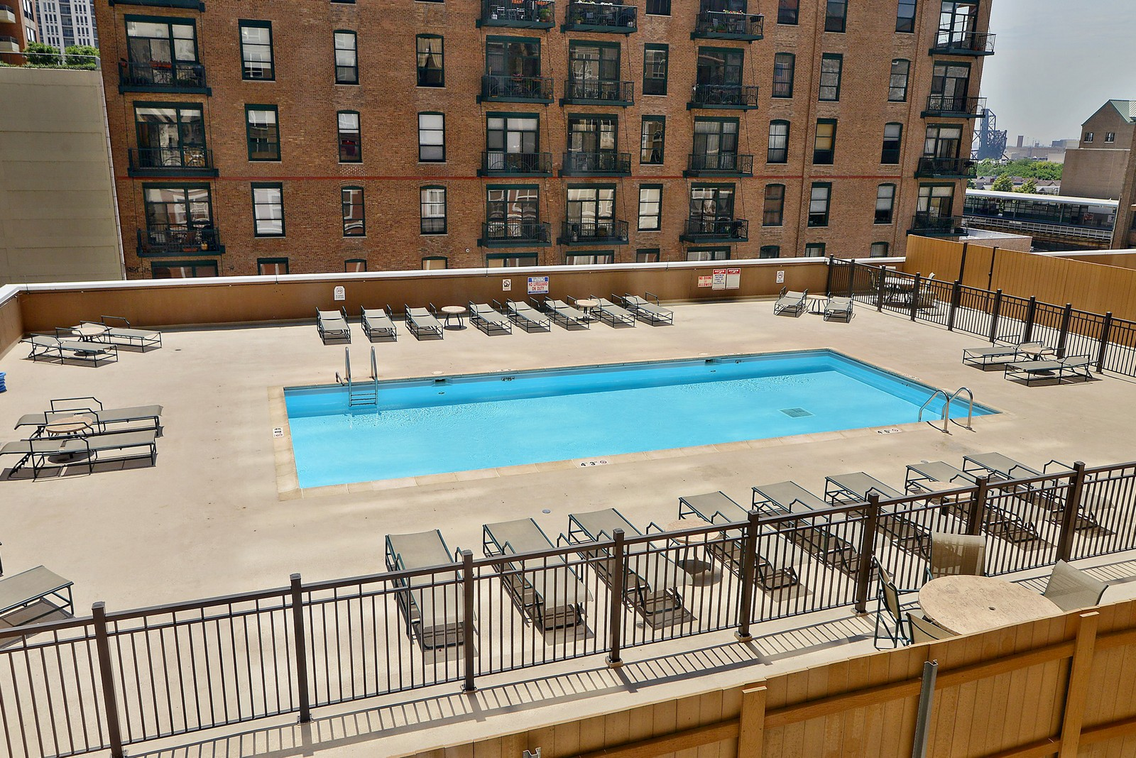 Real Estate Photography - 1111 S Wabash, Apt 703, Chicago, IL, 60605 - Pool