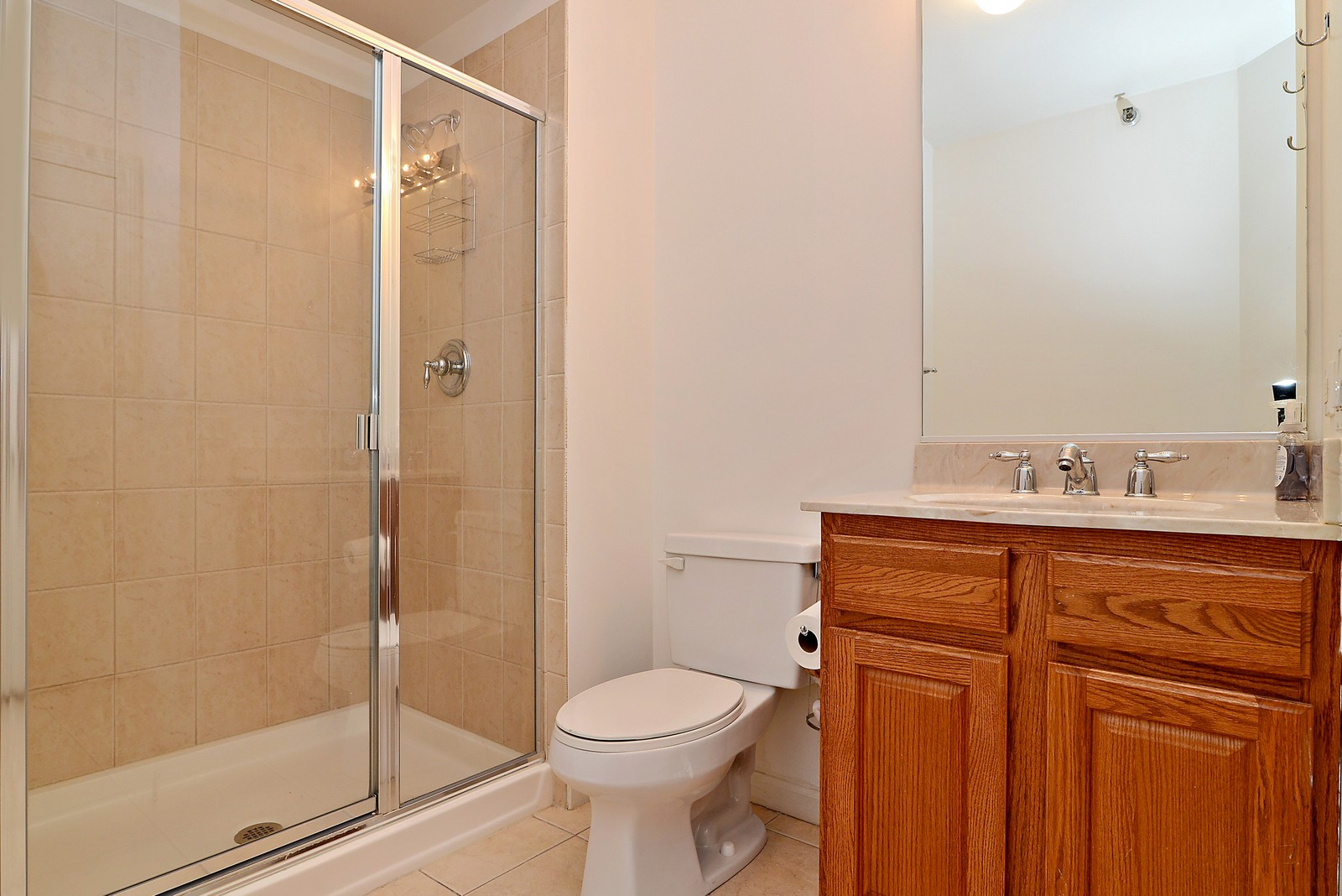 Real Estate Photography - 1111 S Wabash, Apt 703, Chicago, IL, 60605 - Bathroom