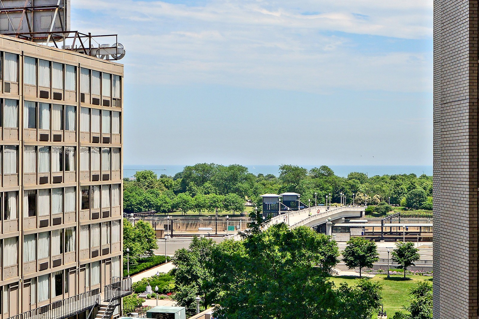 Real Estate Photography - 1111 S Wabash, Apt 703, Chicago, IL, 60605 - Lake View