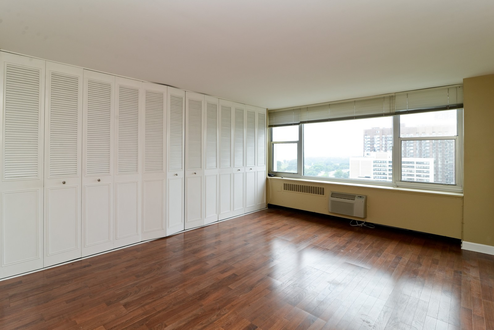 Real Estate Photography - 4250 N Marine Dr, Unit 1806S, Chicago, IL, 60613 - Bedroom