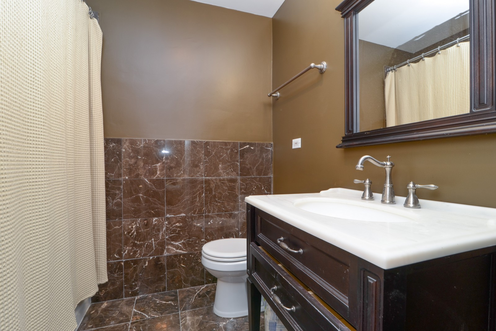 Real Estate Photography - 4250 N Marine Dr, Unit 1806S, Chicago, IL, 60613 - Bathroom