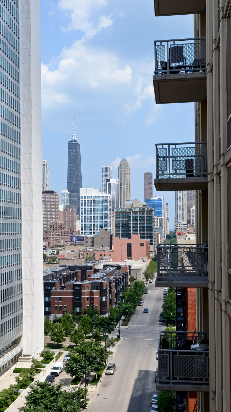 Real Estate Photography - 720 N Larrabee, Apt 1013, Chicago, IL, 60654 - City View