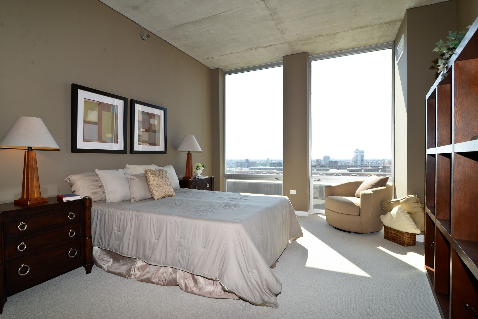 Real Estate Photography - 720 N Larrabee, Apt 1013, Chicago, IL, 60654 - Master Bedroom