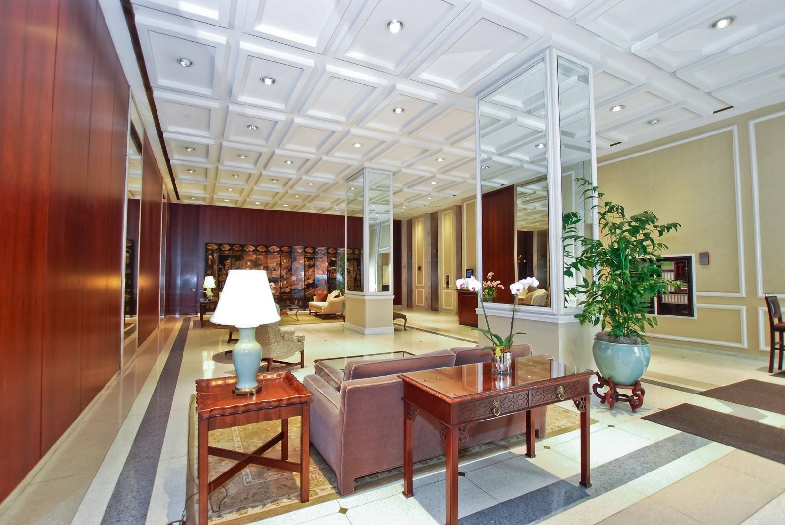 Real Estate Photography - 777 N Michigan Ave, Unit 701, Chicago, IL, 60611 - Lobby