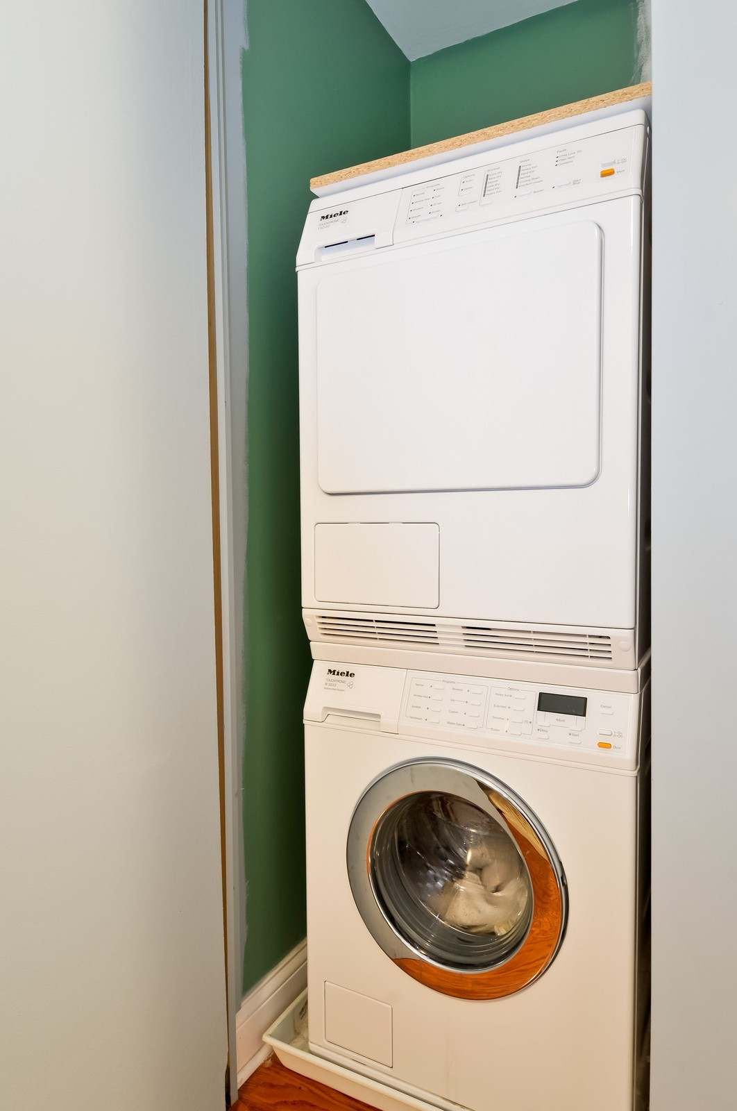 Real Estate Photography - 777 N Michigan Ave, Unit 701, Chicago, IL, 60611 - Laundry Room