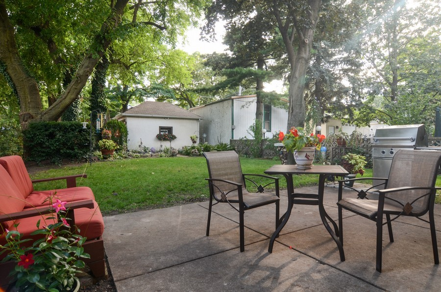 Real Estate Photography - 2201 W Estes, Chicago, IL, 60645 - Back Yard
