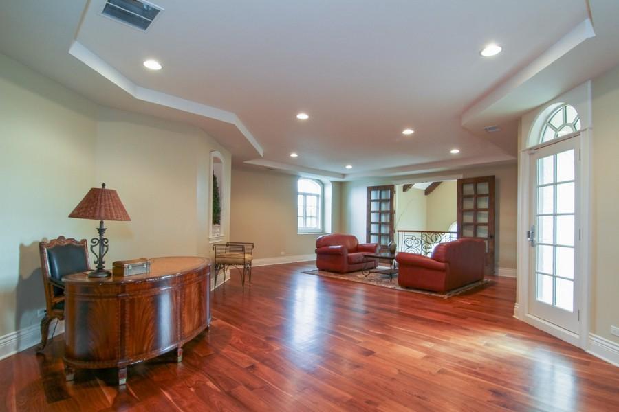 Real Estate Photography - 43 Royal Vale Drive, Oak Brook, IL, 60523 - Bonus Room