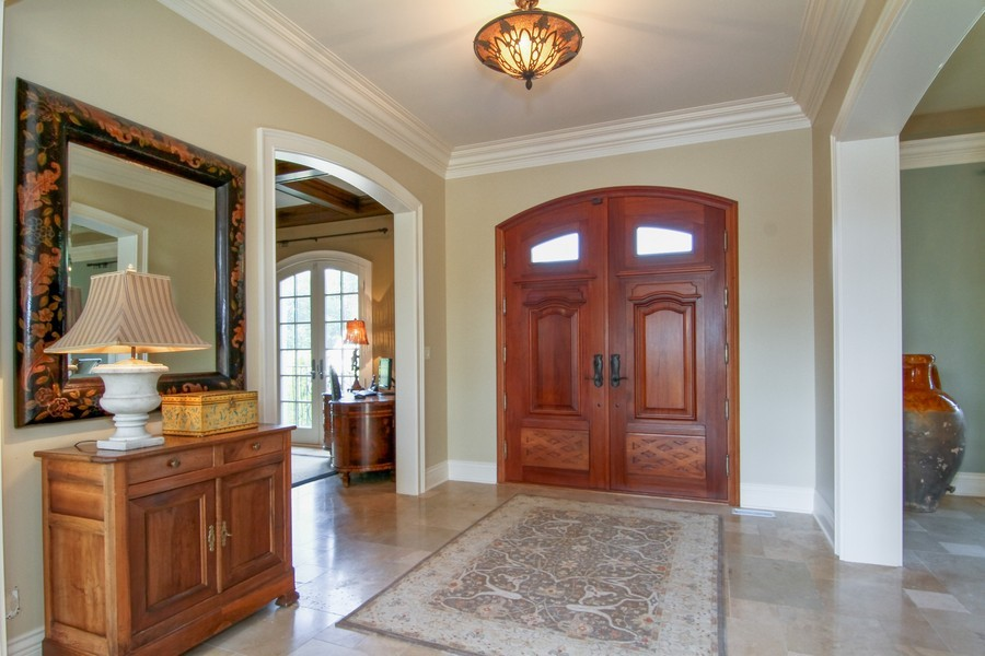 Real Estate Photography - 43 Royal Vale Drive, Oak Brook, IL, 60523 - Foyer