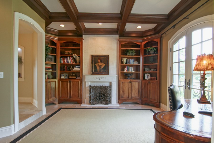 Real Estate Photography - 43 Royal Vale Drive, Oak Brook, IL, 60523 - Study