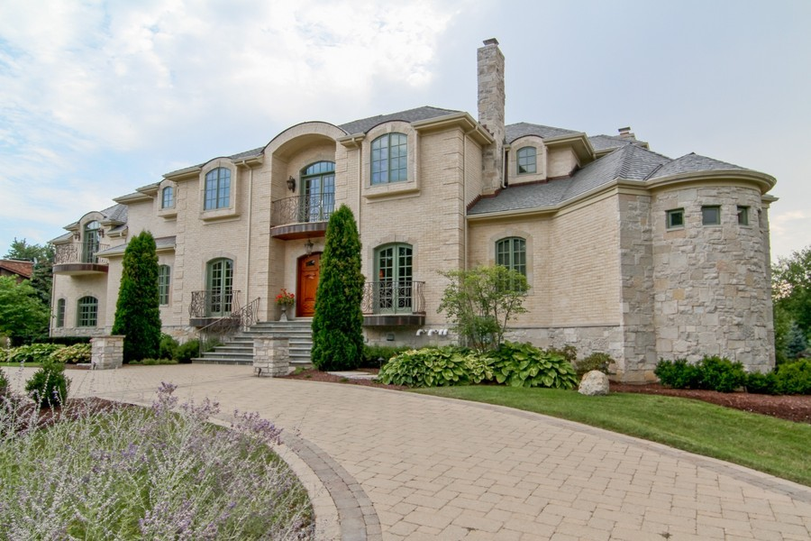 Real Estate Photography - 43 Royal Vale Drive, Oak Brook, IL, 60523 - Front View