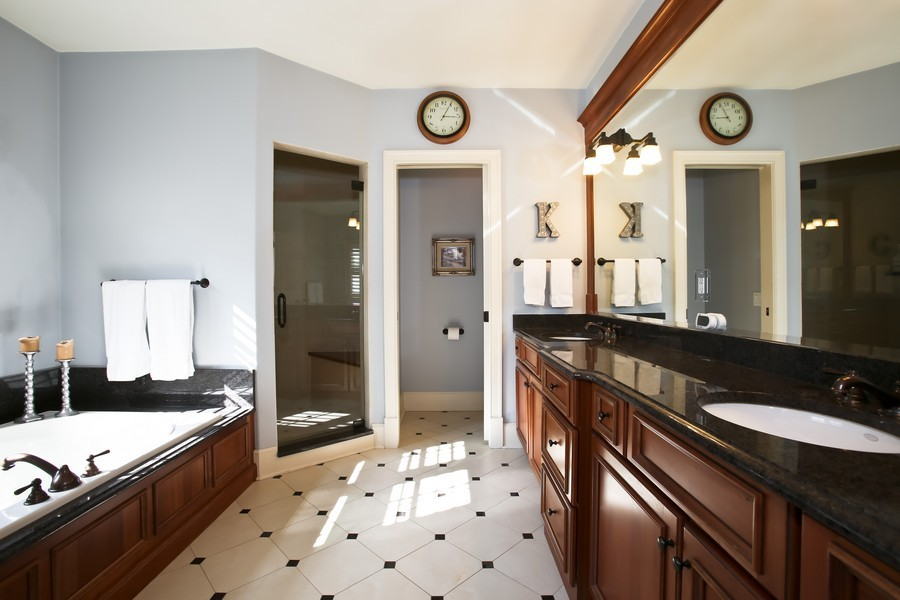 Real Estate Photography - 37 Chestnut, Clarendon Hills, IL, 60514 - Master Bathroom