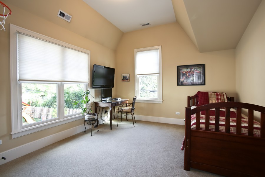 Real Estate Photography - 37 Chestnut, Clarendon Hills, IL, 60514 - 3rd Bedroom
