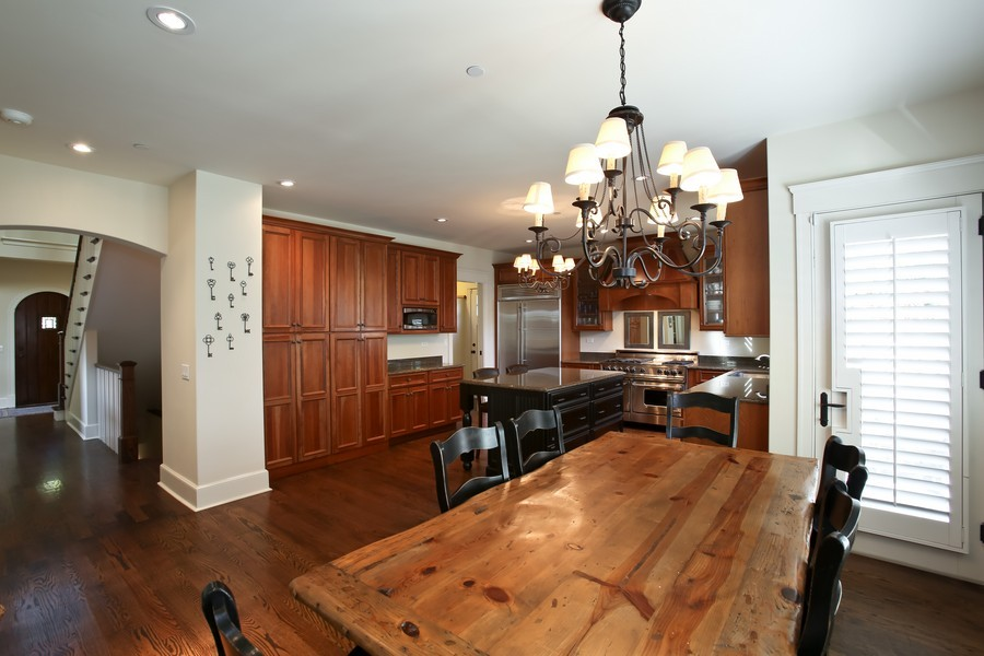 Real Estate Photography - 37 Chestnut, Clarendon Hills, IL, 60514 - Kitchen / Breakfast Room