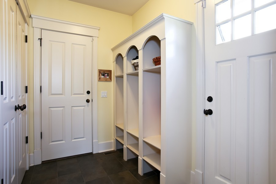 Real Estate Photography - 37 Chestnut, Clarendon Hills, IL, 60514 - Mud Room
