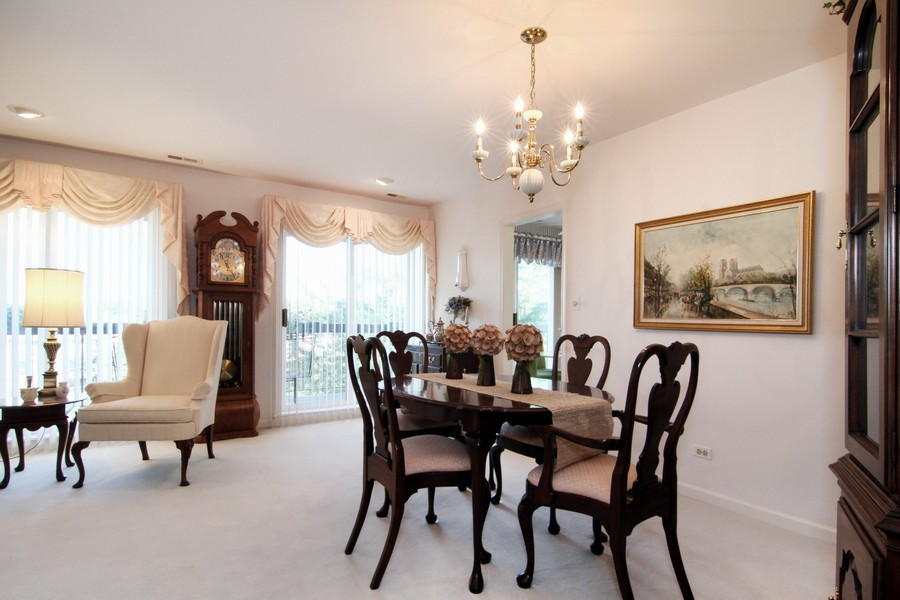 Real Estate Photography - 501 Lake Hinsdale, Unit 511, Willowbrook, IL, 60527 - Dining Room