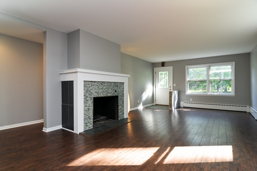 Real Estate Photography - 232 Park, Grayslake, IL, 60030 - Living Room