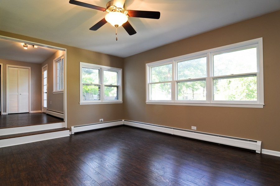 Real Estate Photography - 232 Park, Grayslake, IL, 60030 - Family Room