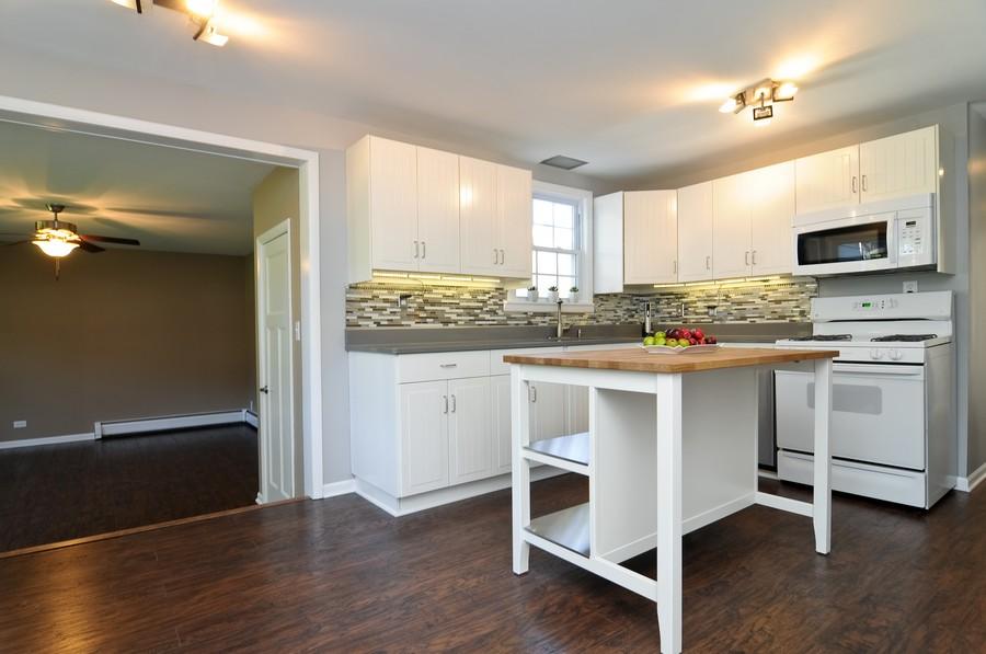 Real Estate Photography - 232 Park, Grayslake, IL, 60030 - Kitchen