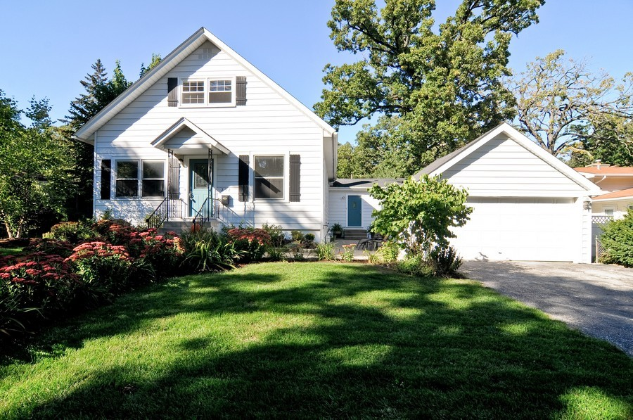 Real Estate Photography - 232 Park, Grayslake, IL, 60030 - Front View