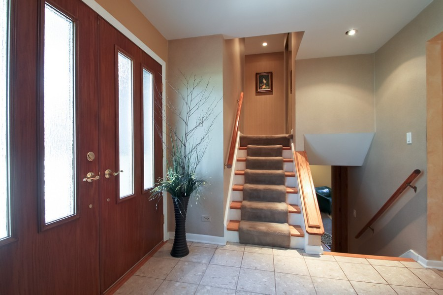 Real Estate Photography - 873 Willow Lane, Willowbrook, IL, 60527 - Foyer