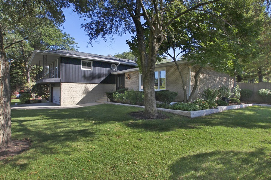 Real Estate Photography - 873 Willow Lane, Willowbrook, IL, 60527 - Front View