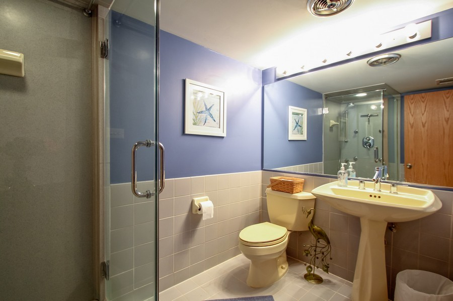 Real Estate Photography - 873 Willow Lane, Willowbrook, IL, 60527 - Bathroom