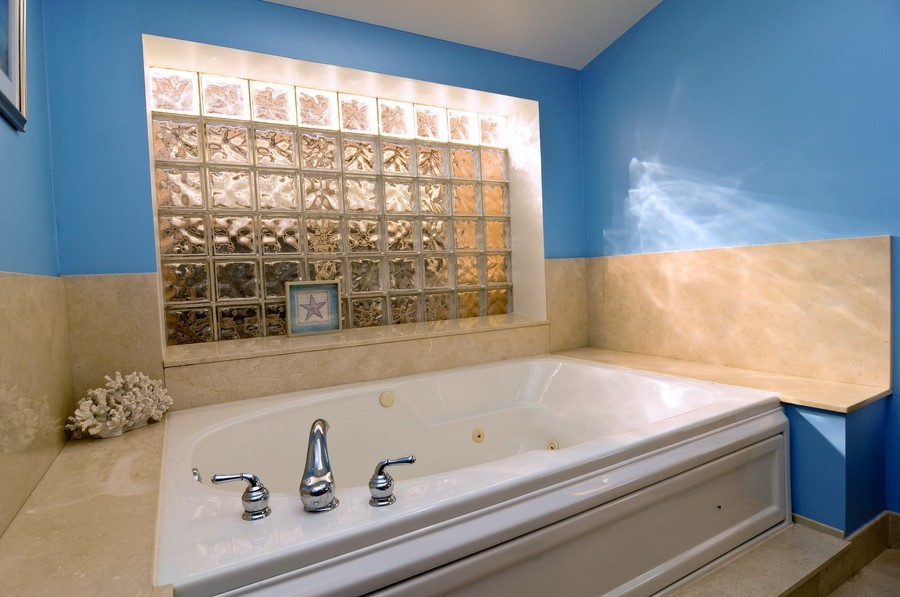 Real Estate Photography - 1346 W George, Unit 3, Chicago, IL, 60657 - Master Bathroom