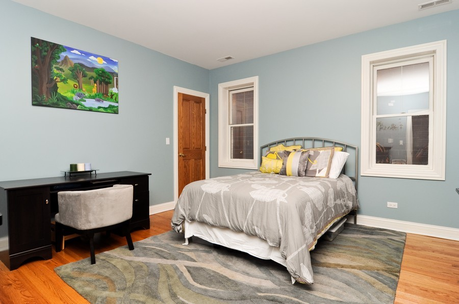Real Estate Photography - 1346 W George, Unit 3, Chicago, IL, 60657 - Bedroom