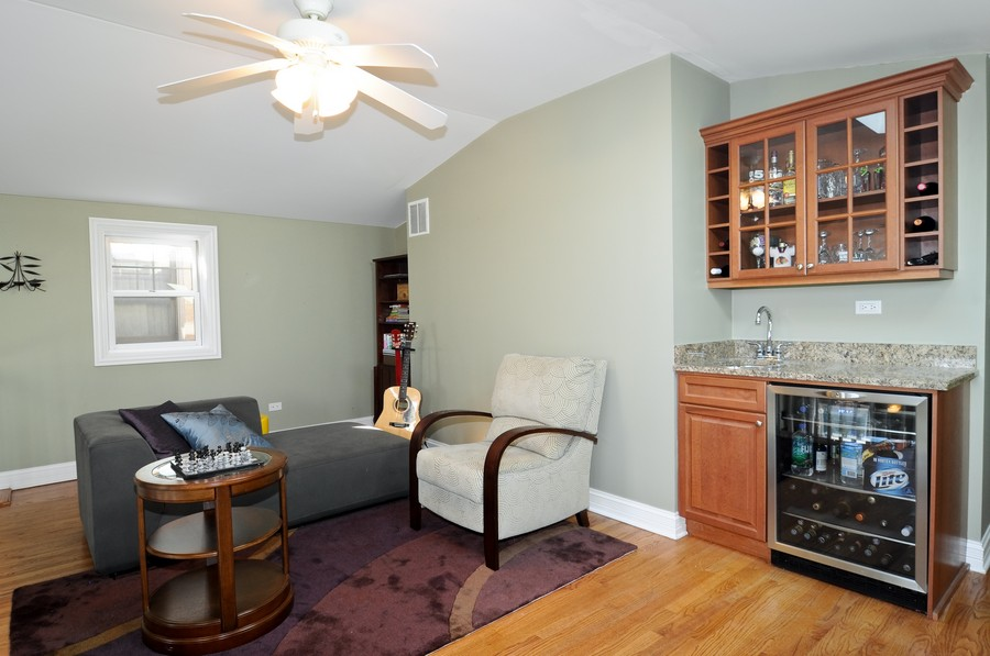 Real Estate Photography - 1346 W George, Unit 3, Chicago, IL, 60657 - Den