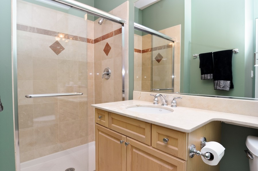 Real Estate Photography - 1346 W George, Unit 3, Chicago, IL, 60657 - Bathroom