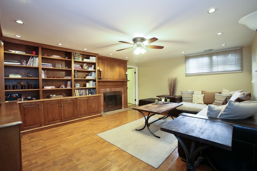 Real Estate Photography - 19W233 Old Tavern Road, 233, Oak Brook, IL, 60523 - Family Room