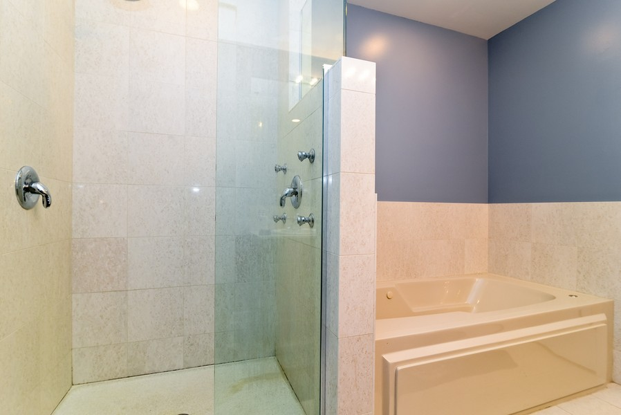 Real Estate Photography - 1841 S Calumet, # 4, Chicago, IL, 60616 - Master Bathroom