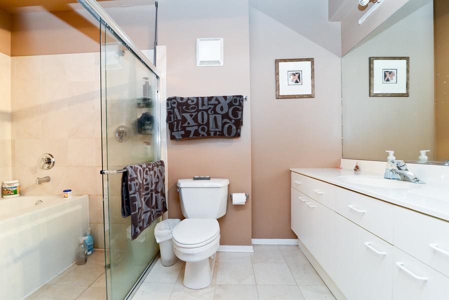 Real Estate Photography - 1440 S Michigan, Unit 212, Chicago, IL, 60605 - Master Bathroom