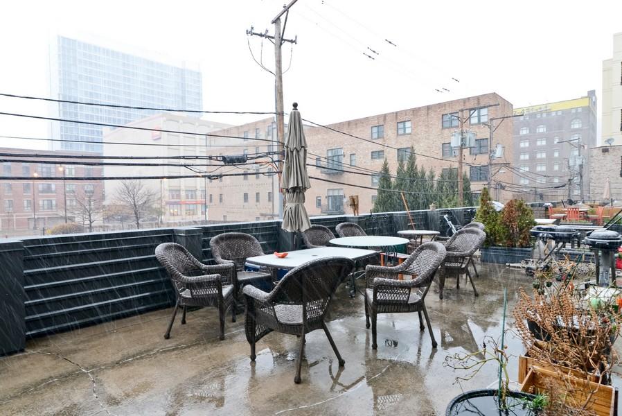 Real Estate Photography - 1440 S Michigan, Unit 212, Chicago, IL, 60605 - Deck