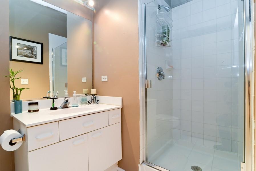 Real Estate Photography - 1440 S Michigan, Unit 212, Chicago, IL, 60605 - Bathroom