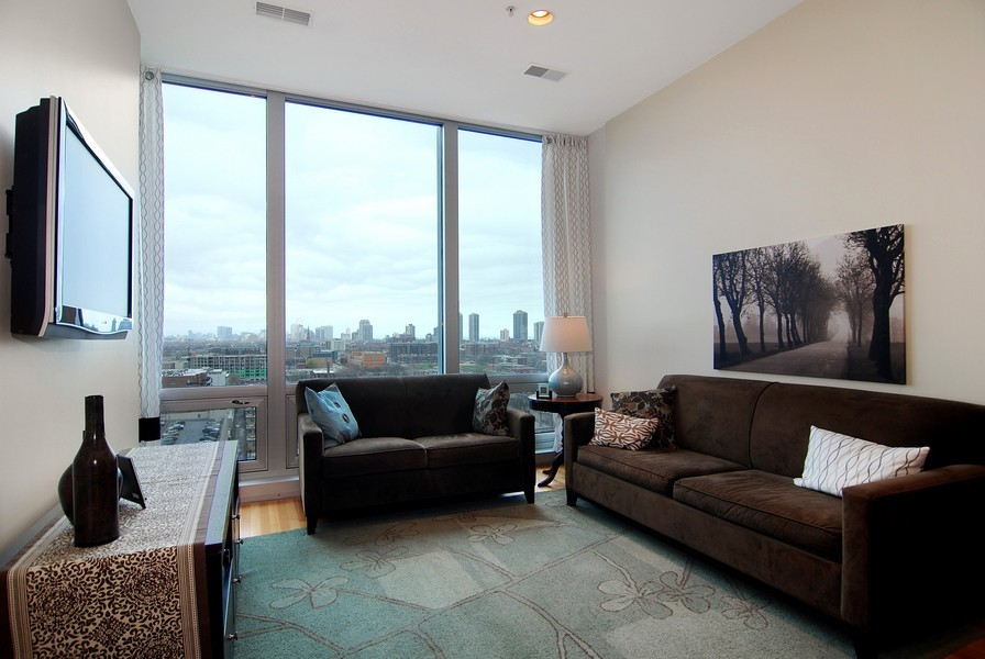 Real Estate Photography - 500 W Superior, Apt 1008, Chicago, IL, 60654 - Location 1