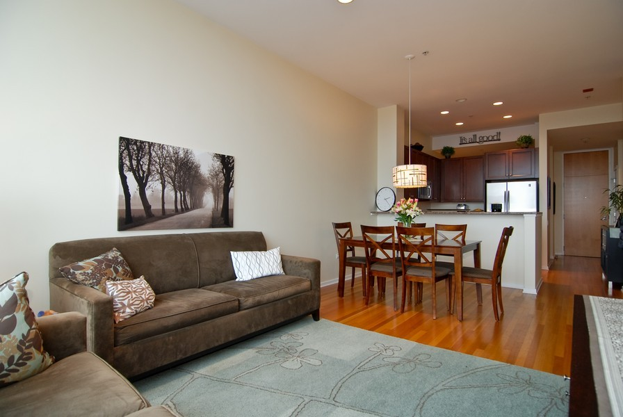 Real Estate Photography - 500 W Superior, Apt 1008, Chicago, IL, 60654 - Location 2