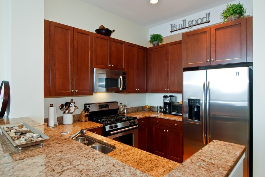 Real Estate Photography - 500 W Superior, Apt 1008, Chicago, IL, 60654 - Location 3