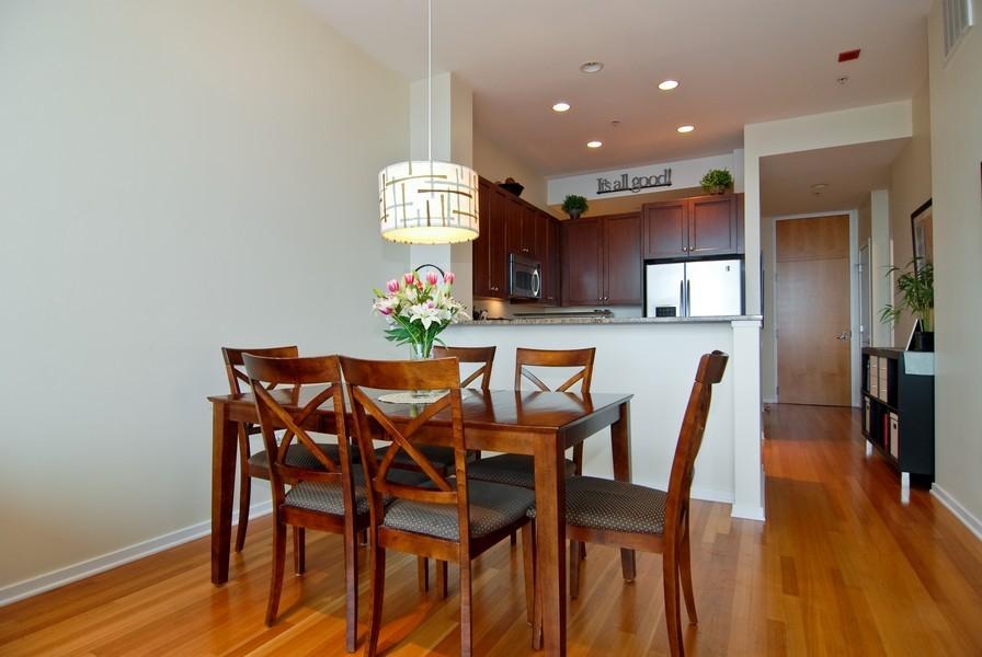 Real Estate Photography - 500 W Superior, Apt 1008, Chicago, IL, 60654 - Location 5