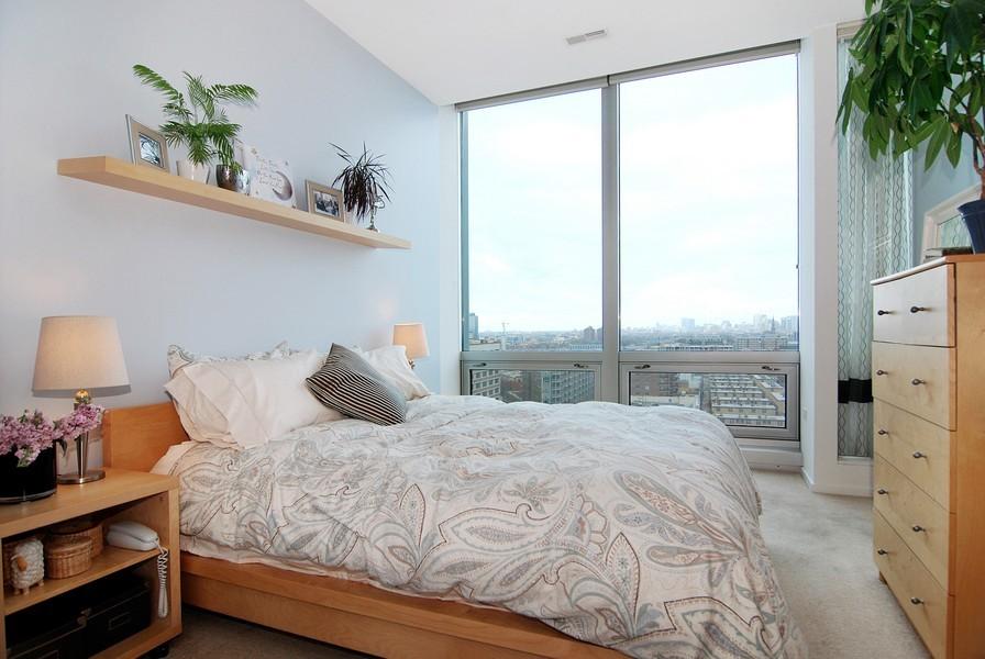 Real Estate Photography - 500 W Superior, Apt 1008, Chicago, IL, 60654 - Location 6