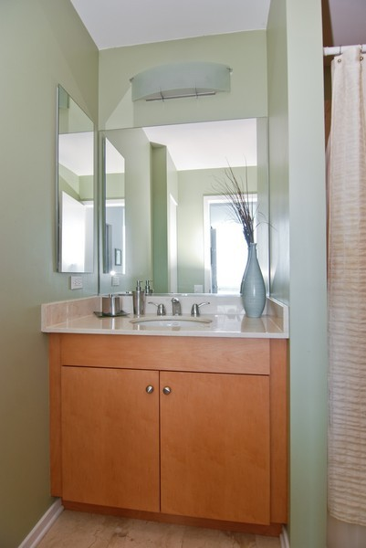 Real Estate Photography - 500 W Superior, Apt 1008, Chicago, IL, 60654 - Location 7
