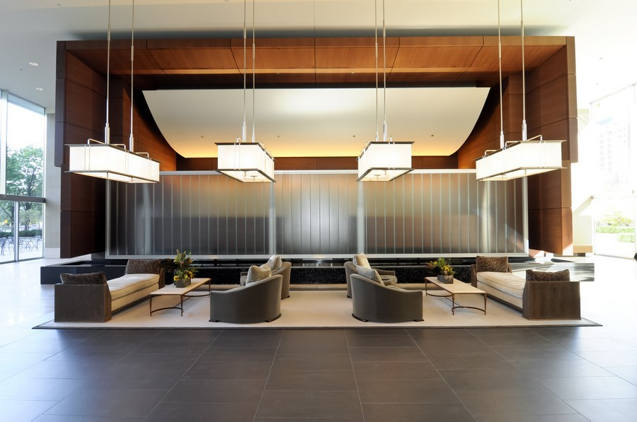 Real Estate Photography - 500 W Superior, Apt 1008, Chicago, IL, 60654 - Lobby
