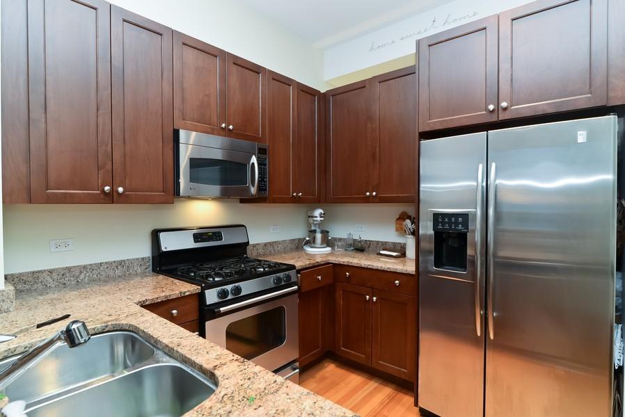 Real Estate Photography - 500 W Superior, Apt 1008, Chicago, IL, 60654 - Kitchen