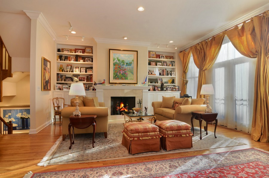 Real Estate Photography - 493 N Canal, Chicago, IL, 60654 - Living Room
