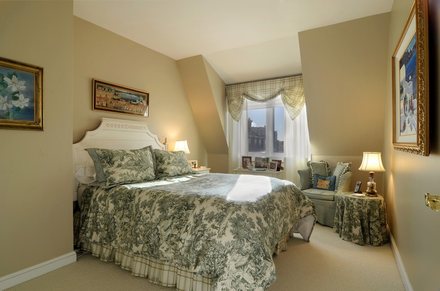 Real Estate Photography - 493 N Canal, Chicago, IL, 60654 - 2nd Bedroom