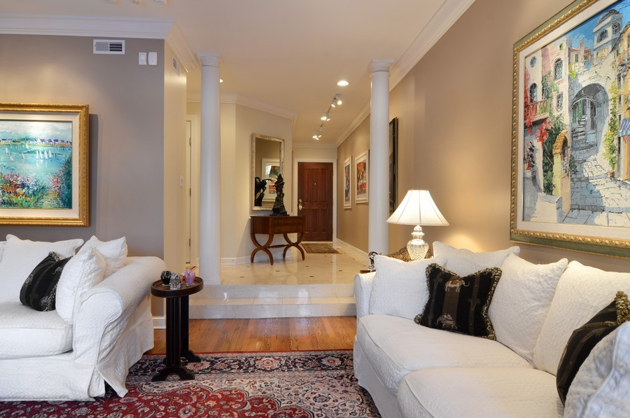 Real Estate Photography - 493 N Canal, Chicago, IL, 60654 - Foyer