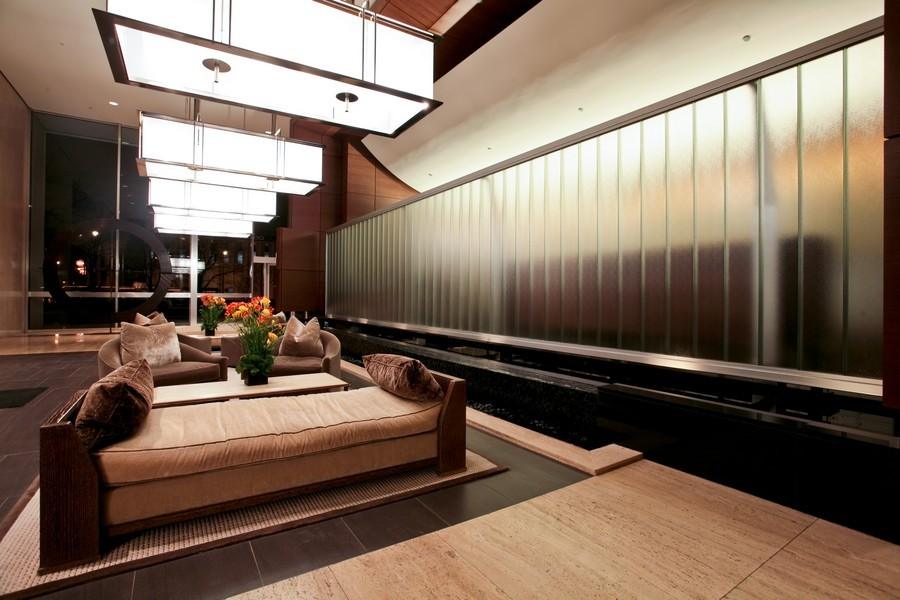 Real Estate Photography - 500 W Superior, Apt 1203, Chicago, IL, 60654 - Lobby