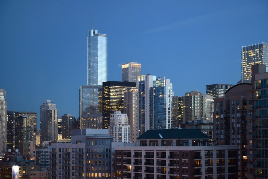 Real Estate Photography - 500 W Superior, Apt 1203, Chicago, IL, 60654 - City View