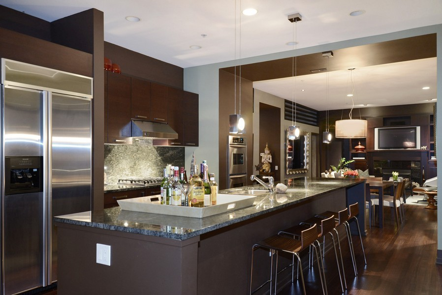Real Estate Photography - 500 W Superior, Apt 1203, Chicago, IL, 60654 - Kitchen