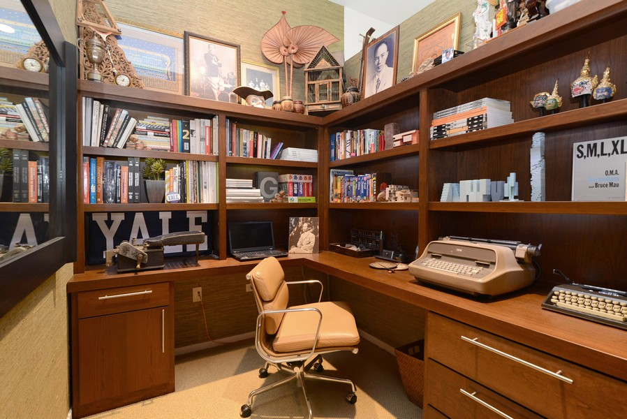 Real Estate Photography - 500 W Superior, Apt 1203, Chicago, IL, 60654 - Office